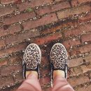 Do czego zakładać wzorzyste, ekstrawaganckie buty
